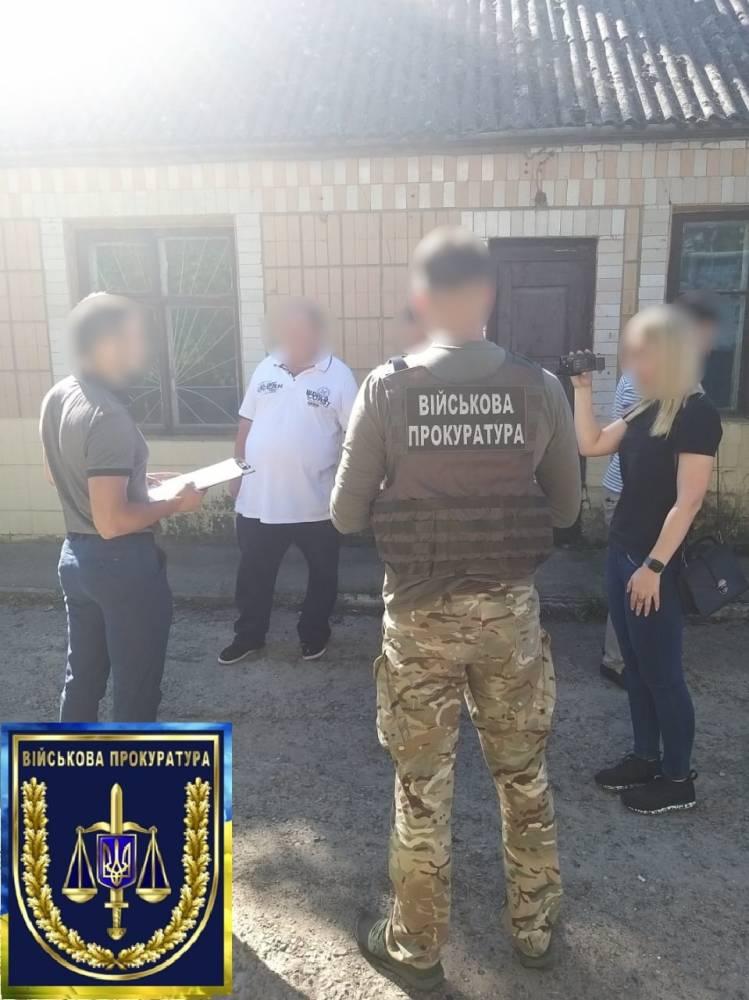 Директор Могилев-Подольской автошколы признал вину в подделке документов и злоупотреблении влиянием