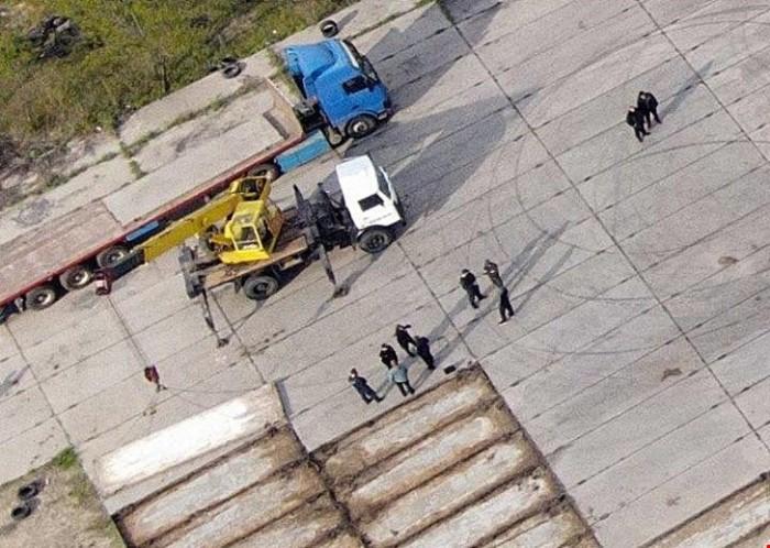 Жителю Кропивницкого вручили подозрение в краже плит взлетно-посадочной полосы местного аэропорта