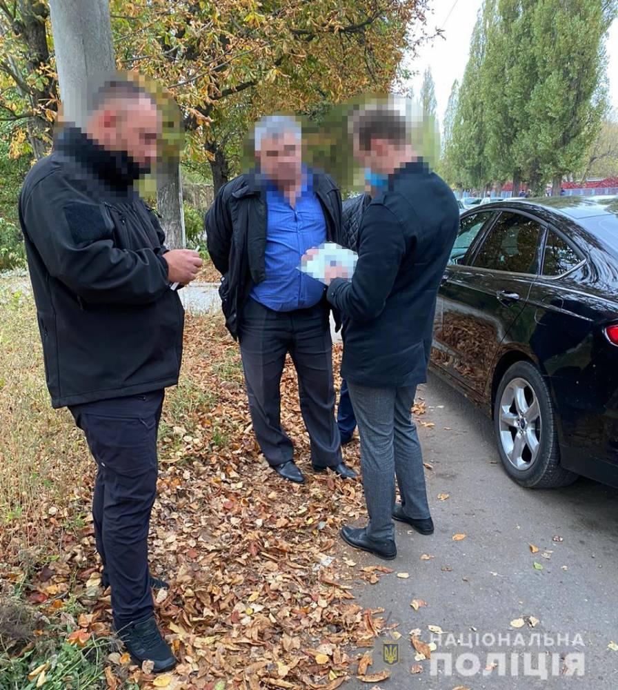 В Сумах железнодорожник запросил взятку в 70 тысяч гривен
