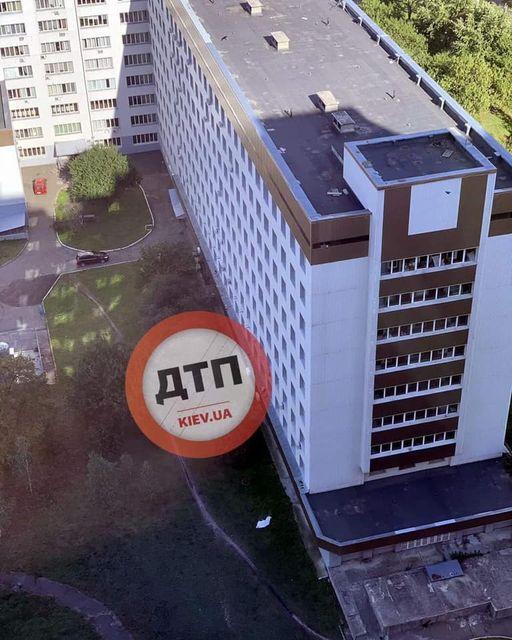 В Киеве двое больных коронавирусом выпрыгнули из окна больницы