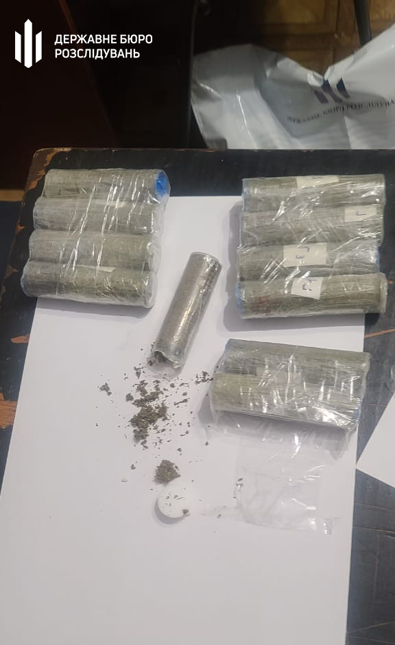 Работника Николаевского СИЗО задержали на продаже наркотиков