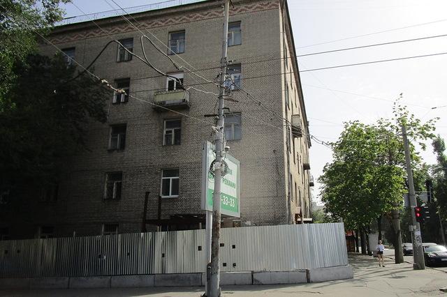 Подрядчик, повредивший общежитие при строительстве Днепровского метрополитена, выплатил 15 млн гривен