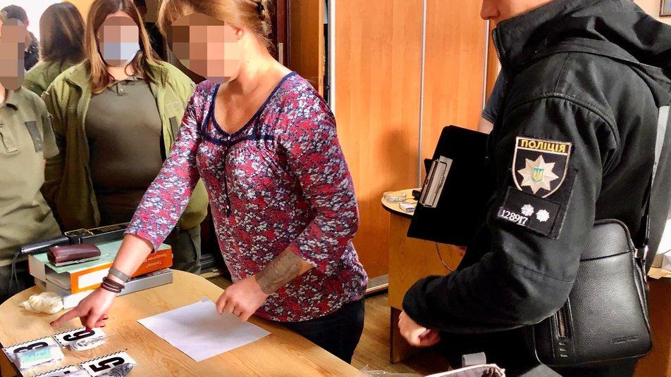 В Одессе врач пытался пронести наркотики в СИЗО
