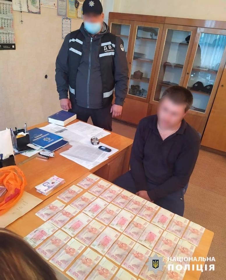 Житель Кировоградской области пытался откупиться от полицейского за кражу