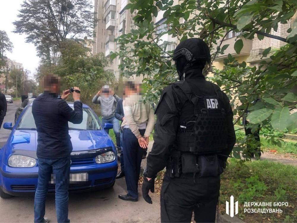 В Чечельницком районе полицейский попался на взятке