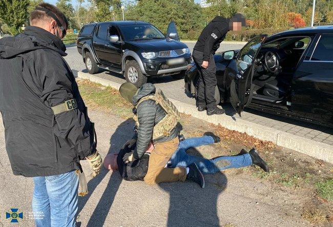 Экс-чиновники Госгеокадастра Запорожской области организовали коррупционную схему с земельными участками