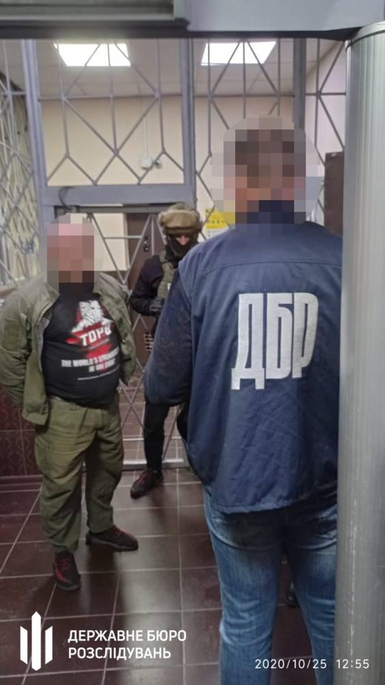 Работник Мариупольского СИЗО продавал наркотики заключенным