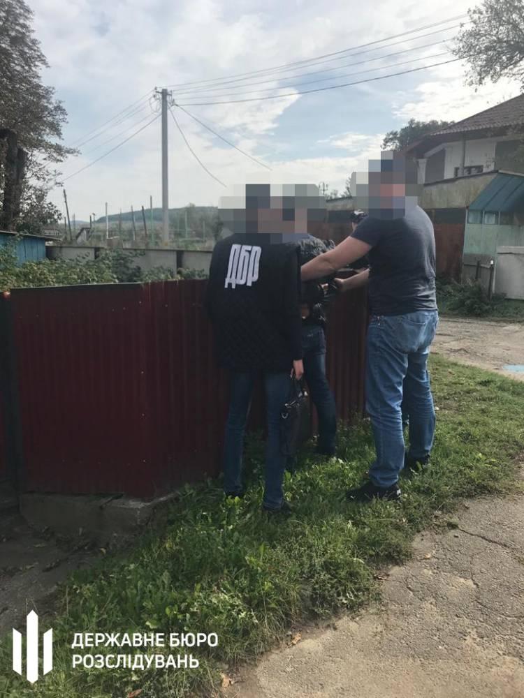 В Черновцах пограничник брал взятки у контрабандистов сигарет