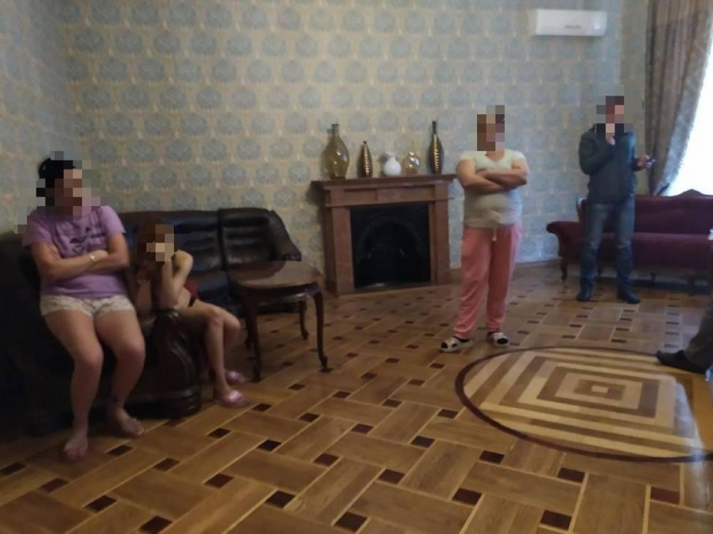 В Одессе офицер полиции прикрывал деятельность борделей