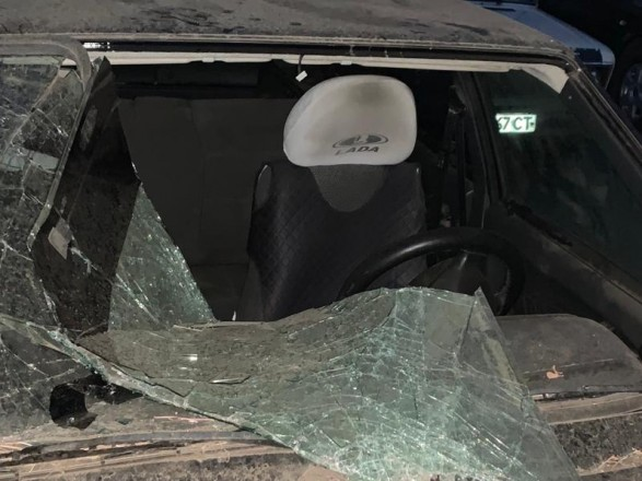 В Лисичанске помощнику нардепа повредили авто
