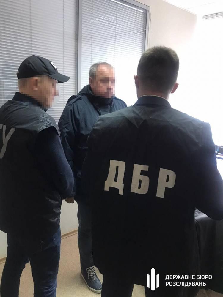 Днепровский таможенник занижал стоимость импортируемых из Узбекистана овощей за взятки