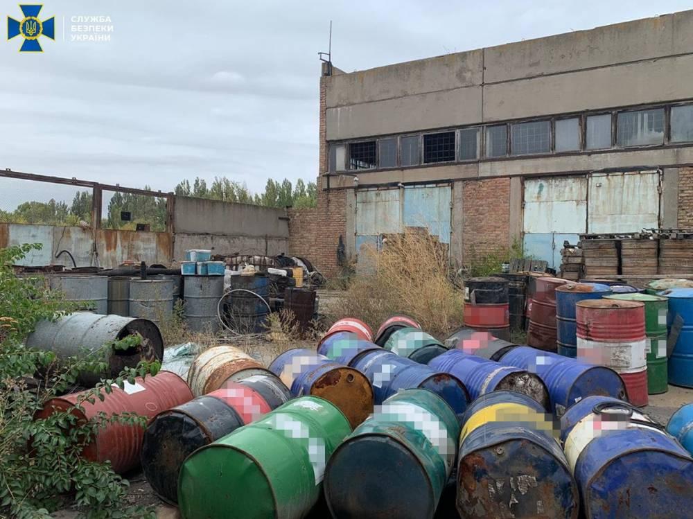 Харьковская компания вывозила токсичные отходы на стихийную свалку