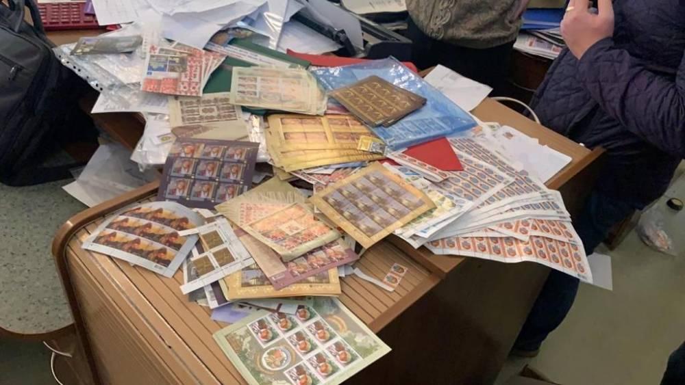 Двух украинцев подозревают в сбыте поддельных почтовых марок в «ЛНР»