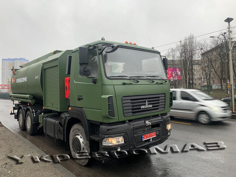 На полигоне в Житомирской области грузовик наехал на палатку с солдатами