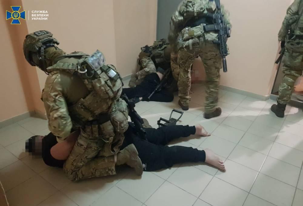 В Украине ликвидировали банду, куда входили действующие и бывшие правоохранители