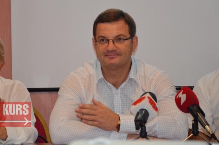 Топ-чиновник «Укрзализныци» оформил бизнес и автомобили на свою жену