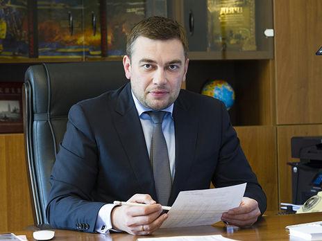 Экс-министр аграрной политики оформил на фирму жены новый внедорожник и  элитные апартаменты