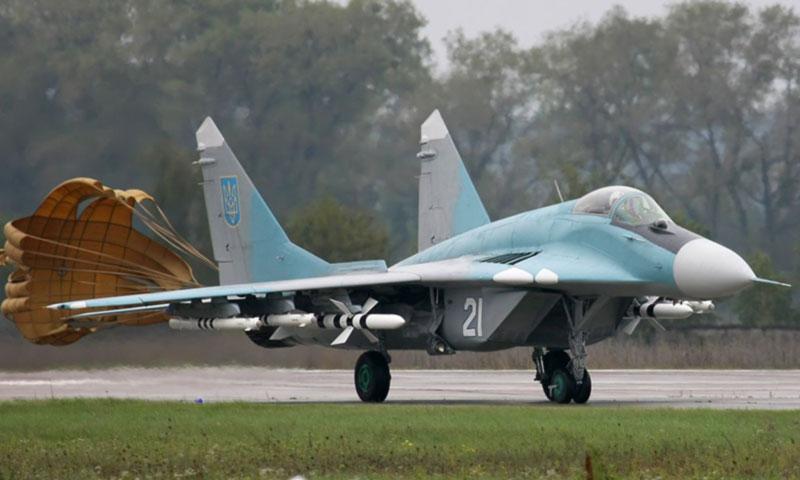 Командование военно-воздушных сил Украины не может провести закупку тормозных парашютов