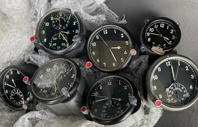 Украинец пытался вывезти из страны авиационные часы