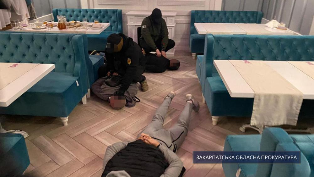 В Межгорье избирателям обещали по тысяче гривен за «правильное» голосование
