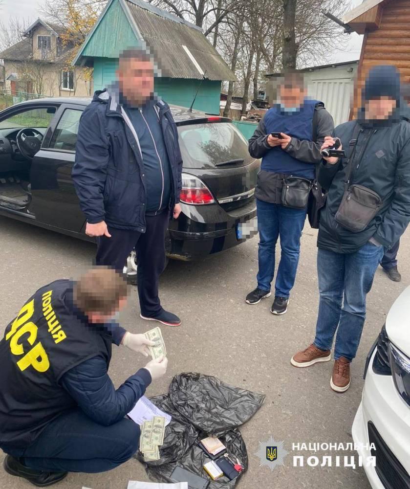 В Ивано-Франковской области на взятке попались сотрудники военкомата и сельсовета