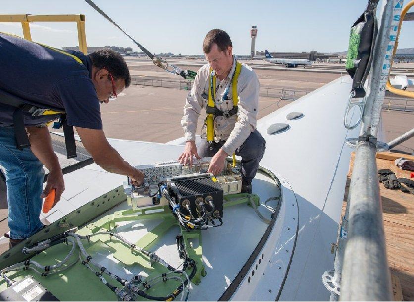 Институт Госспецсвязи улучшит спутниковый интернет в президентском самолете за 32 млн гривен
