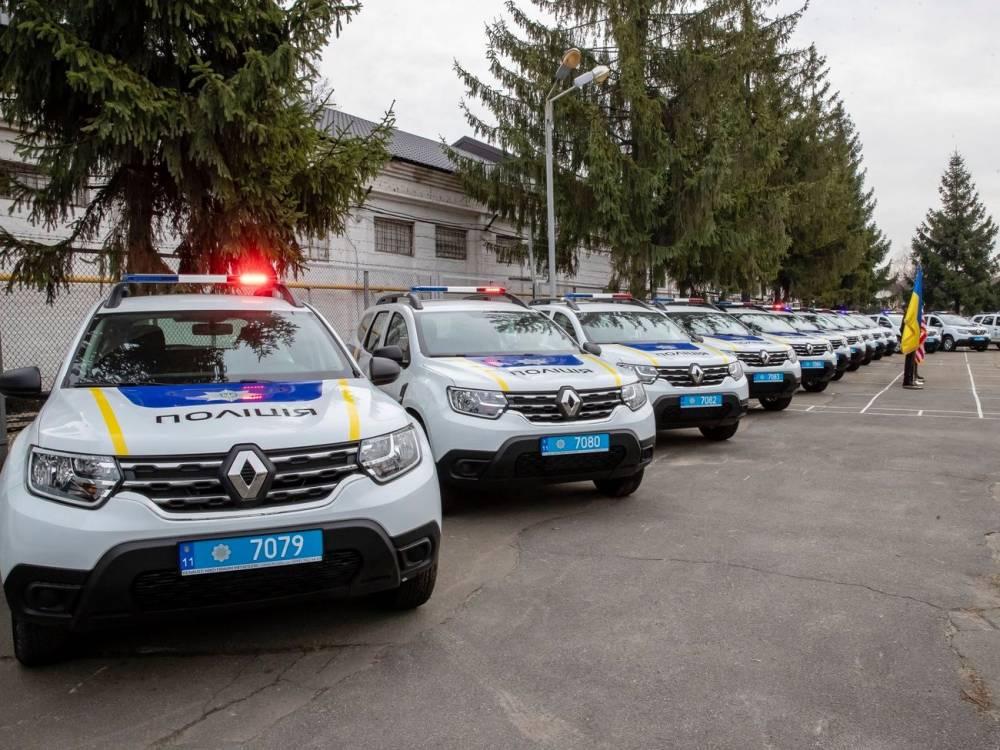 Полиция купила 159 новых автомобилей спецназначения за 87 млн гривен