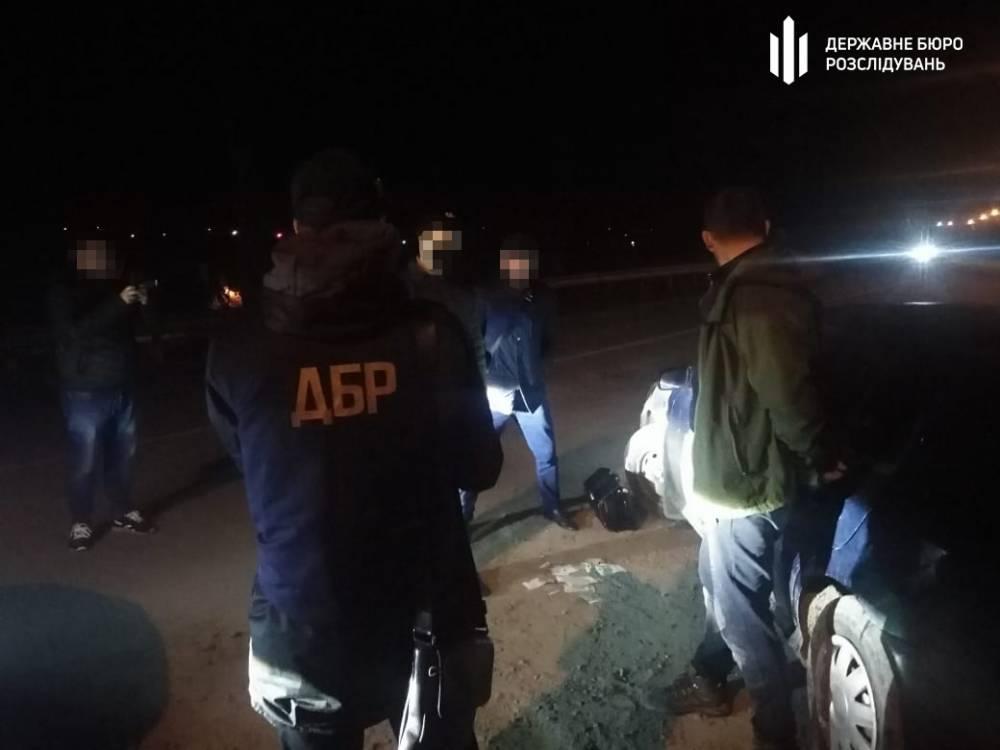 В Черновицкой области разоблачили пограничника и лесничего, занимающихся контрабандой табака