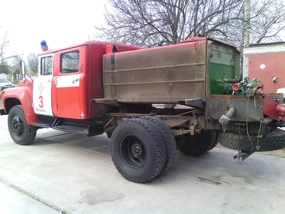 Полиция подозревает спасателей в растрате почти 60 млн гривен при закупке пожарных автоцистерн