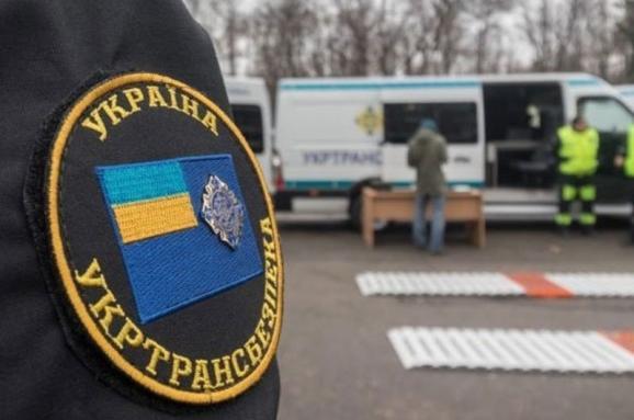 Чиновника «Укртрансбезопасности» задержали за систематическое вымогательство взяток от перевозчиков