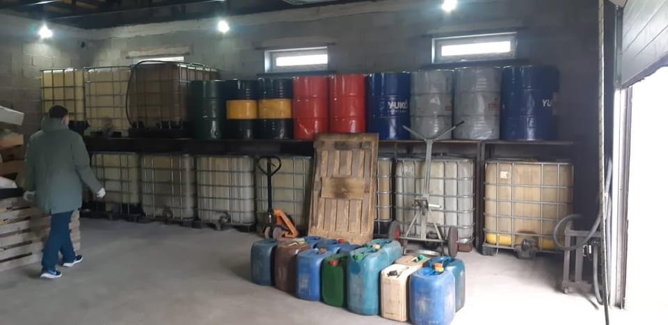 В Мариуполе разоблачили группу преступников, сбывавших незаконно изготовленное горючее