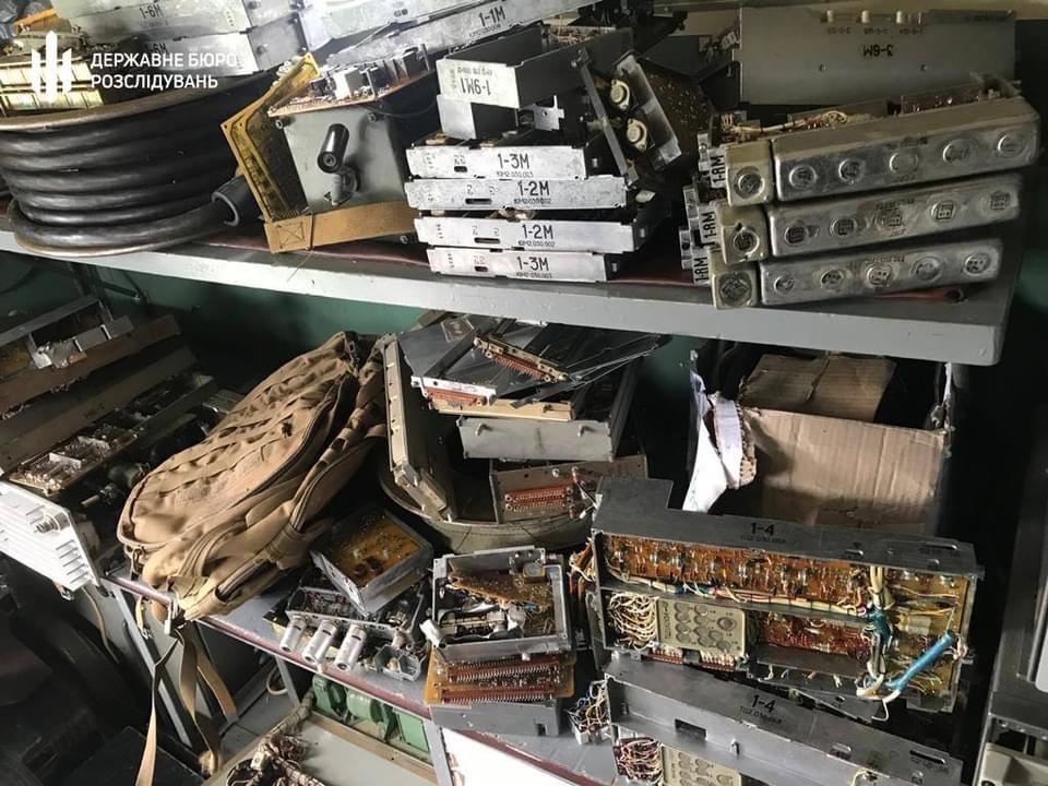 В Хмельницкой области начальника армейской радиостанции подозревают в краже деталей