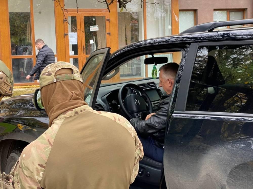 В Ужгороде задержали замглавы областного совета