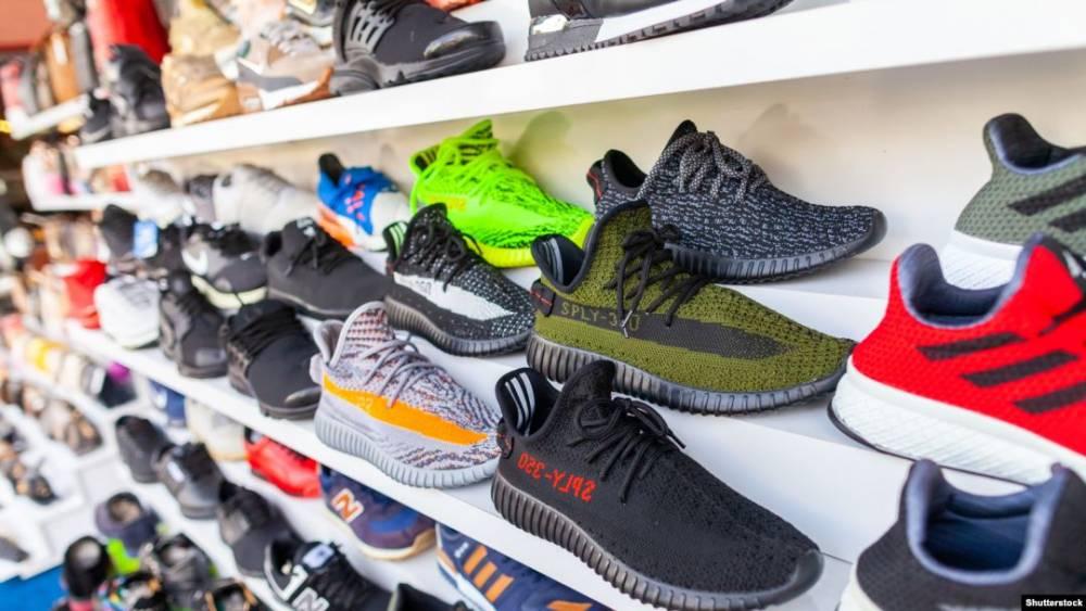 Жительница Кировоградской области получила почти 400 тысяч гривен за продажу несуществующей обуви