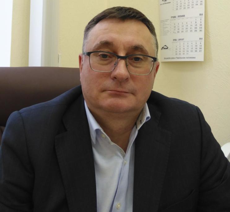 Топ-чиновник «Укрзализныци» потратил годовую зарплату на престижный кроссовер