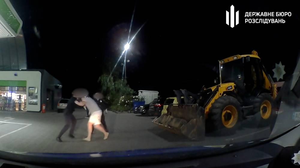 Экс-офицеру СБУ вручили подозрение за стычку с полицией