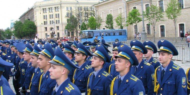 Харьковский военный университет переплатил в полтора раза за материалы при ремонте спортплощадки