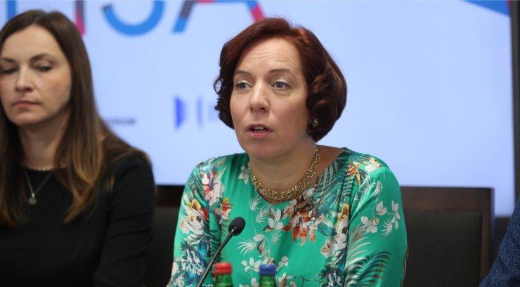 В Эстонии министр образования подала в отставку после скандала со служебным авто