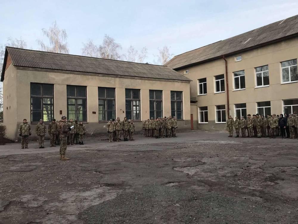 Тернопольский военный колледж незаконно сдавал землю под агропроизводство