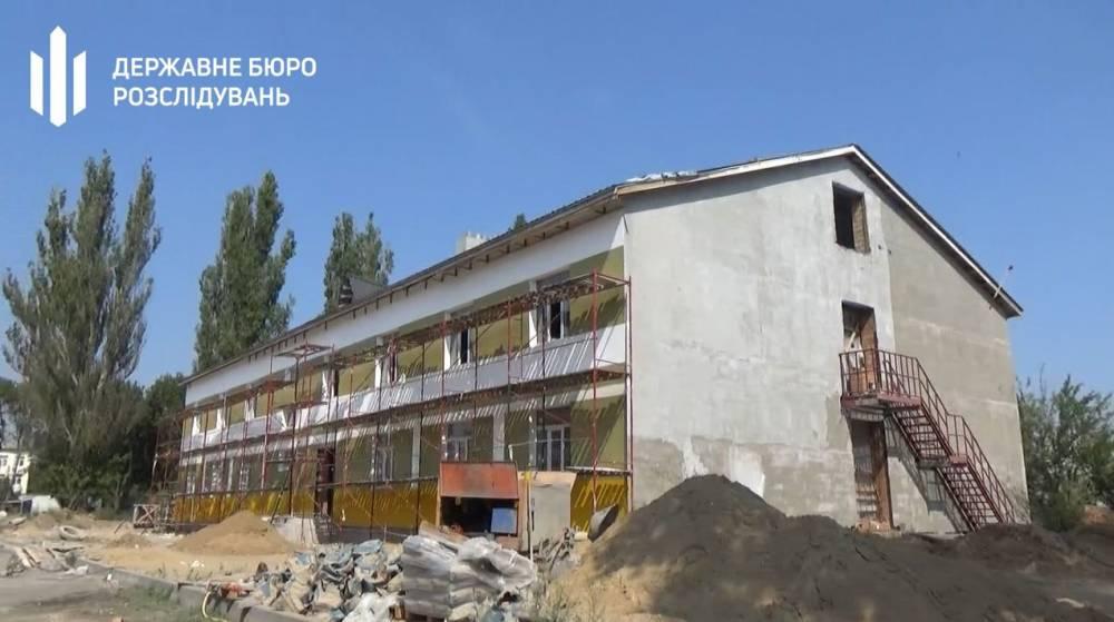Субподрядчика подозревают в нанесении 8,7 млн гривен убытков при строительстве казарм в Одесской области