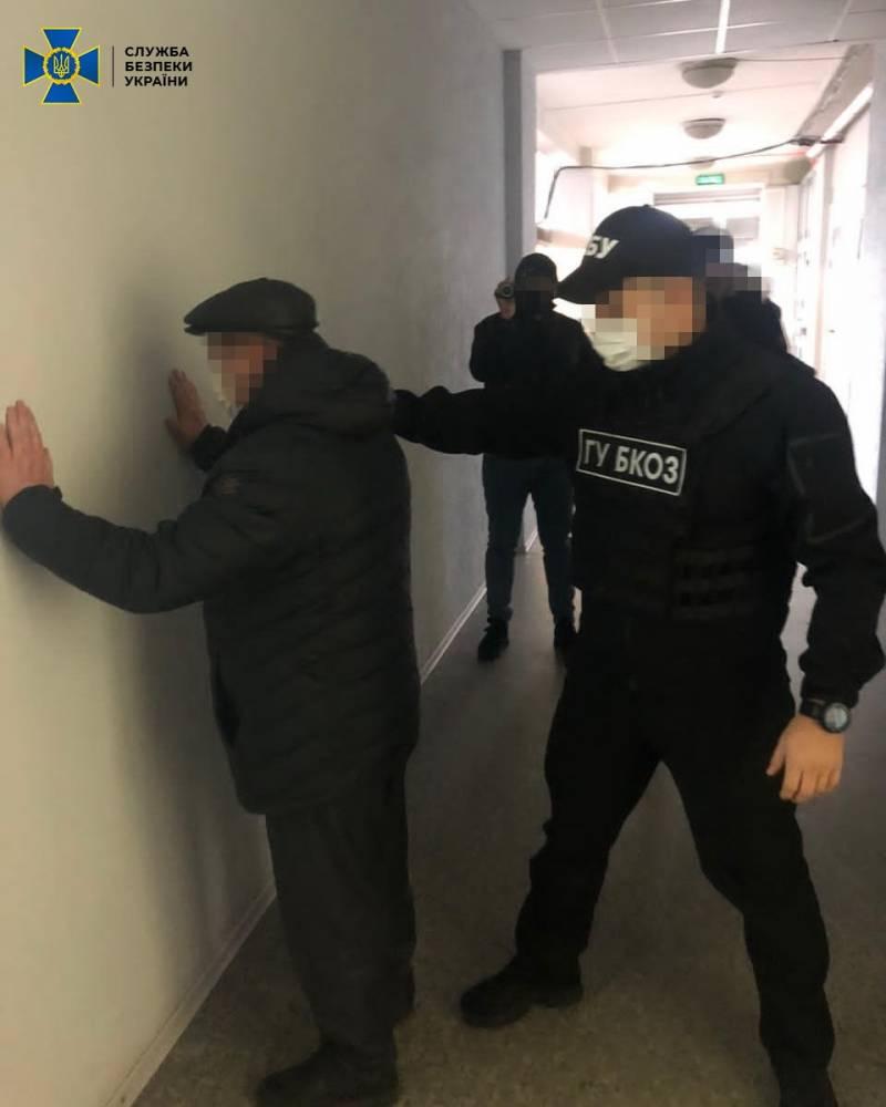 СБУ поймала на взятке начальника регионального офиса водных ресурсов Луганской области