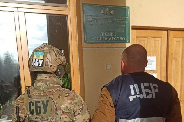 В Ровенской области руководство лесхоза разоблачили в хищениях средств