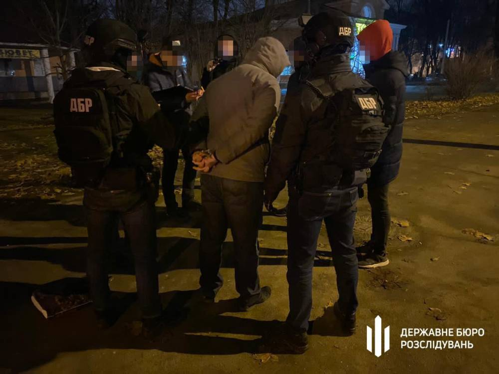 В Черноморске на взятке задержали таможенника