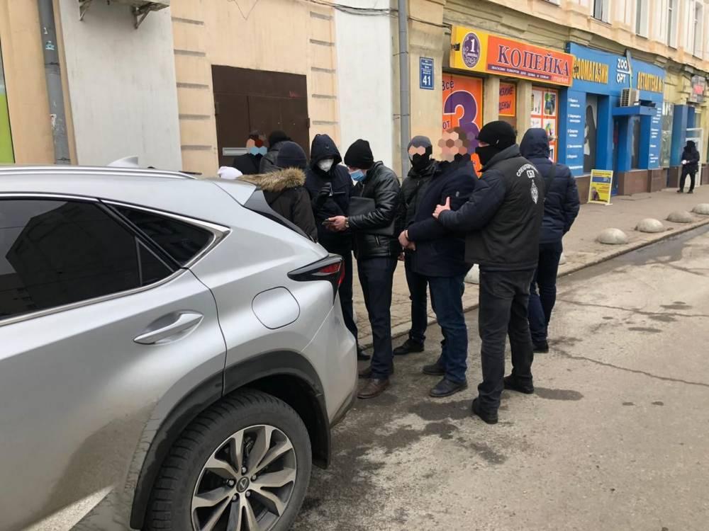 В Харьковской области чиновник Госпродпотребслужбы пытался подкупить прокурора