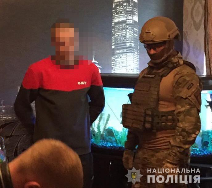 В Сумской области «смотрящий» колонии организовал банду для поставки наркотиков заключенным