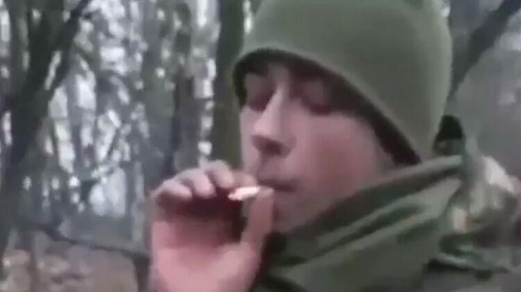 Украинский солдат снял видео, где тушит окурок о простреленную голову кота