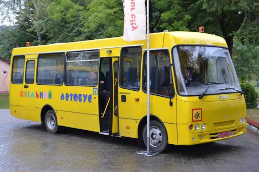 Суд обязал поставщика вернуть деньги за некачественные автобусы для Хотинской РГА