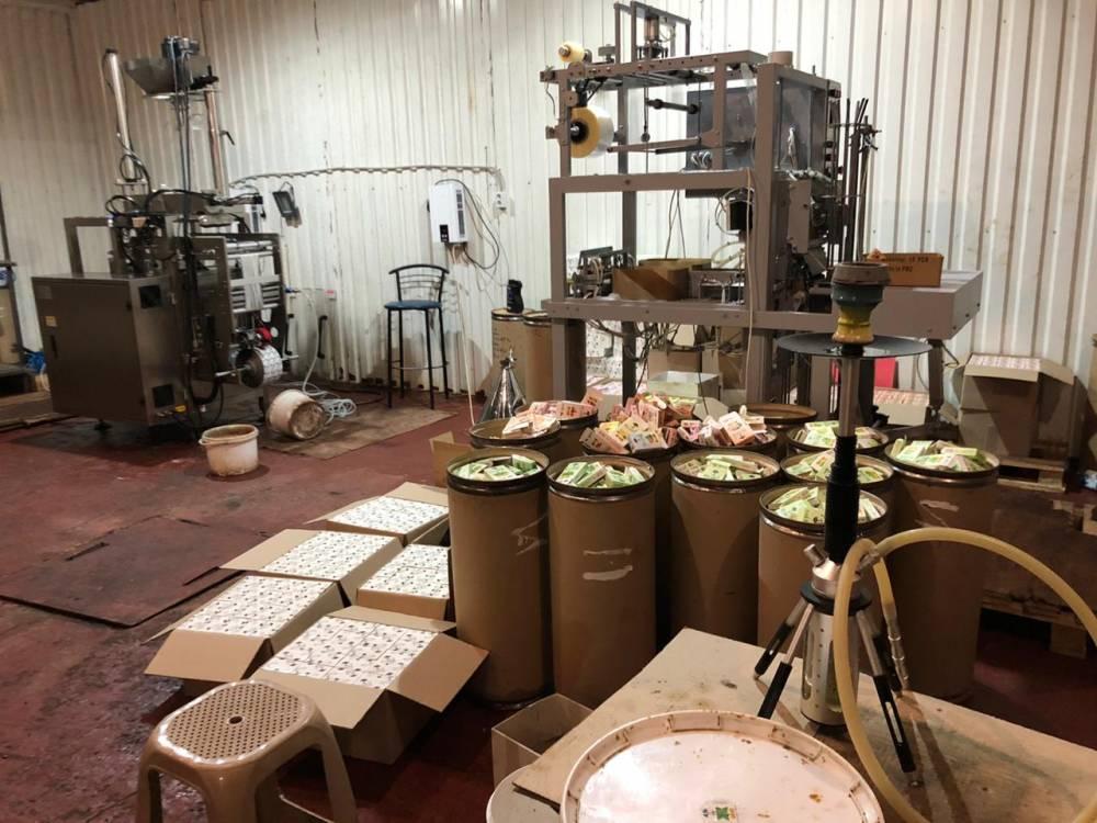 В Запорожской области закрыли нелегальное производство табака для кальянов