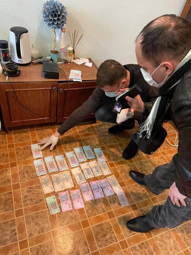 Чиновник «Запорожгаза» требовал взятку у местного бизнесмена