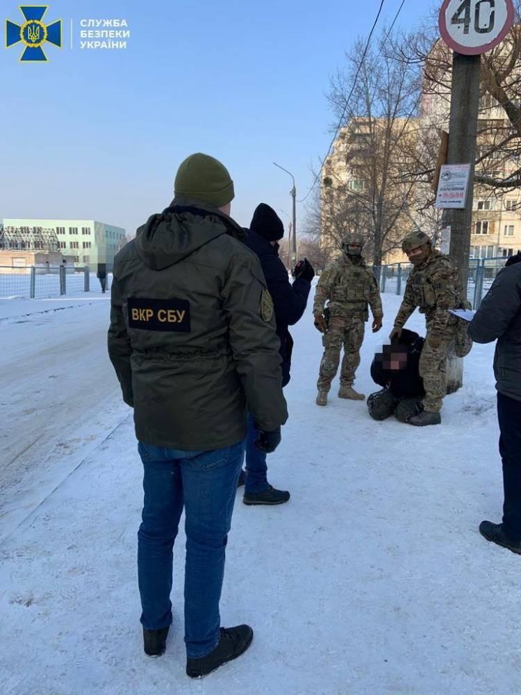В Сумской области солдат пытался продать 4,5 килограмма пластида